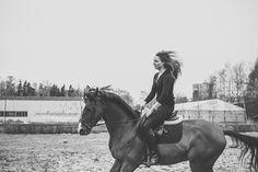 Equine-ess. : Photo