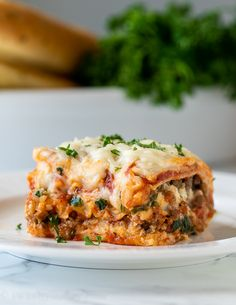 This super easy Classic Lasagna Recipe is a comfort food staple filled with Italian sausage spinach and a cheesy ricotta filling youll fall in love with every bite. Easy Lasagna Recipe With Ricotta, Classic Lasagna Recipe, Homemade Lasagna, Spinach Lasagna, Spinach Recipes, Pasta Recipes, New Recipes, Cooking Recipes, Bon Appetit