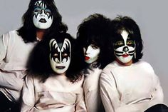 Paul Stanley Claims Peter Criss and Ace Frehley Biographies Were 'Complete Fantasy' Paul Stanley, Banda Kiss, Kiss Images, Kiss Pictures, Eric Singer, Los Kiss, Gene Simmons Kiss, Kiss Concert, Eric Carr