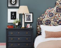 Adding pattern to the home can be a daunting task. How do you make sure the prints aren't overwhelming? What patterns complement each other? Tiffany Duggan from Studio Duggan shares her tips to introduce pattern. Interior Work, Interior Design, Home Bedroom, Bedroom Decor, Bed Wall, Blue Bedding, Beautiful Bedrooms, Decoration, Interior Inspiration