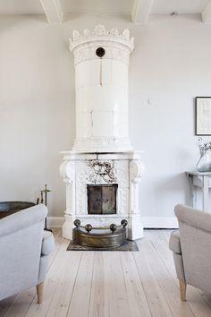 Hegnsvej 17 — Anna Reventlow Facade, Anna, Home Decor, Scandinavian Design, Minimalist, Nice Asses, Homemade Home Decor, Facades, Interior Design