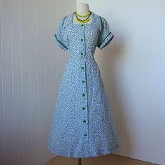 1940's dress ...JANET LYNN kelly green novelty print seersucker classic forties shirtwaist dress