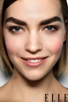 Natural and Thick Eyebrows! Brows for Fall Bold Eyebrows, Thick Brows, Perfect Eyebrows, Eye Brows, Arched Eyebrows, Beauty Hacks Lips, Beauty Tips For Hair, Hair Beauty, Makeup Trends