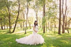 Elegant and classy maternity photo session at sunset in Rochester NY - Sthefanie Souza Photography - Maternity Gown by Sew Trendy Accessories #rochesterny #sthefaniesouza #Maternityphotos