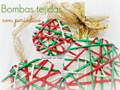 Reciclando con Erika : Bombas de Navidad con periódico tejido