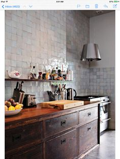 Inspiration for Challenge - a kitchen with NO built in cabinets!