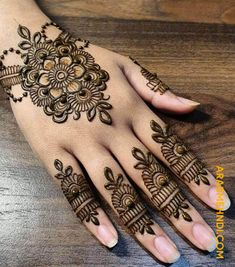 50 Most beautiful Friends Mehndi Design (Friends Henna Design) that you can apply on your Beautiful Hands and Body in daily life. Latest Henna Designs, Mehndi Designs Book, Mehndi Design Images, Simple Mehndi Designs, Mehandi Designs, Simple Henna Tattoo, Henna Tattoo Hand, Hand Tattoos, Wrist Henna