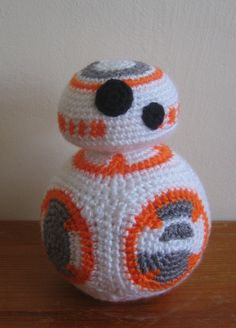 Not that Q, BB-8 Amigurumi    With double knit yarn and a 3.5...