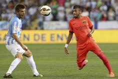 GRA594. MÁLAGA, 24/09/2014.- El centrocampista del Málaga Camacho (i) pelea un balón con el brasileño Neymar, del FC Barcelona, durante el partido de la quinta jornada de Liga en Primera División que | Barcelona y Málaga igualan a cero - Yahoo Deportes México