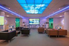 Ambius Sfeerplafonds, verlicht wolkenplafond in uw systeemplafond Open Ceiling, Ceiling Panels, Ceiling Lights, Interior And Exterior, Interior Design, Plant Design, Ceiling Design, Design Projects, The Good Place