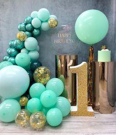 ВОЗДУШНЫЕ ШАРЫ ИРКУТСК в Instagram: «. . ◾️ ВОЗДУШНЫЕ ШАРЫ С ДОСТАВКОЙ . . ◾️ ФОТОЗОНЫ И ОФОРМЛЕНИЕ ПРАЗДНИКОВ . . ———- ПОДЗОРОВА ОЛЬГА——— . . 📲 ЗАЯВКИ И ВОПРОСЫ 📲737301…» Big Balloons, Custom Balloons, Birthday Balloon Decorations, Birthday Balloons, Baby Boy Birthday, Boy Birthday Parties, Pearl Party, Balloon Installation, Diy Wedding Backdrop