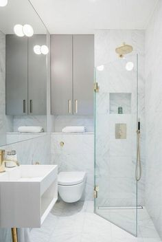 Inspiring Small Bathroom Shower Remodel Ideas Schöne kleine Badezimmer Dusche Remodel Ideas This image has. Small Bathroom With Shower, Modern Bathroom Design, Bathroom Interior Design, Master Bathroom, Bathroom Mirrors, Simple Bathroom, Bathroom Designs, Bathroom Faucets, Small Bathroom Plans