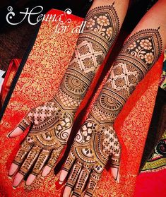 Henna is the most traditional part of weddings throughout India. Let us go through the best henna designs for your hands and feet! Dulhan Mehndi Designs, Mehandi Designs, Arabic Bridal Mehndi Designs, Wedding Henna Designs, Engagement Mehndi Designs, Mehndi Designs For Girls, Latest Mehndi Designs, Henna Mehndi, Henna Art