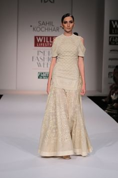 #wifw #wifwaw14 #fdci #wilfw #sahilkochhar #fashion #fashionshow #indian #indiandesigner #white #offwhite #beautiful #gorgeous #indianwear #gold #work #embroidery #pretty #elegant #classy