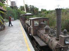 The best theme parks for you to visit around the world Holiday Places, Cool Themes, Train Rides, Cape Town, Resorts, Around The Worlds, Good Things, Park, Vacation Places