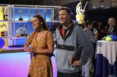 Melissa Fumero (Amy Santiago) and Andy Samberg (Jake Peralta). Brooklyn 99 Season 4, Brooklyn 99 Actors, Jake And Amy, Jake Peralta, Cop Show, Andy Samberg, New Amsterdam, Brooklyn Nine Nine, Series Movies