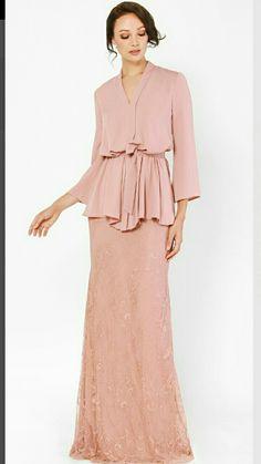 Muslim Fashion, Hijab Fashion, Fashion Dresses, Breastfeeding Fashion, Fashion Corner, Blouse Models, Simple Dresses, Dress Patterns, Designer Dresses