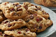 Make it Santa's best year yet when you leave Big-Batch Kris Kringle Cookies by the tree. With white chocolate, dried cranberries and pecans, this Big-Batch Kris Kringle Cookies recipe is the perfect treat for the holidays. Kraft Foods, Kraft Recipes, Ww Recipes, Family Recipes, Chicken Recipes, Cookie Desserts, Cookie Bars, Cookie Recipes, Dessert Recipes
