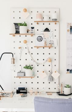 Pegboard With Shelves And Pegs White Pegboard Ideas In Steckbrett mit Regalen u. Pegboard With Shelves And Pegs White Pegboard Ideas In Steckbrett mit Regalen und Stecknadeln Whit Peg Board Walls, Peg Boards, Diy Peg Board, Peg Board Shelves, Hang Board, Board Art, White Pegboard, Ikea Pegboard, Kitchen Pegboard