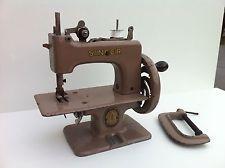 Poussette ancienne jouet pour poup e vers 1930 jouets for Machine a coudre king jouet