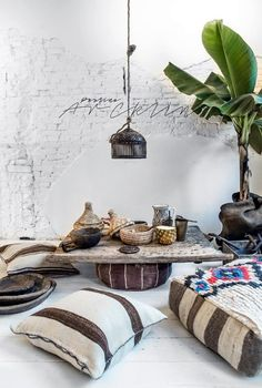 51 Best ideas morrocan floor seating moroccan pouf - Bohemian Home İdeas Bohemian Interior, Home Interior, Bohemian Decor, Interior And Exterior, Ethnic Decor, Ethnic Chic, Interior Styling, Giant Floor Pillows, Floor Cushions