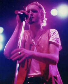 """All the guys who were my close friends are dead. It's a shame that most of my friends died when they were young.... I wish I could hear Layne Staley sing again.  I wish I could hang out with him.""  Mark Lanegan  Screaming Trees Queens of the Stone Age"