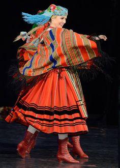 "lamus-dworski: Various Polish folk dresses and dances from the repertoire of the ""Mazowsze"" Song and Dance Ensemble. Polish Clothing, Folk Clothing, Historical Clothing, Folk Costume, Costumes, Polish Folk Art, Folk Dance, Textiles, Girl Dancing"