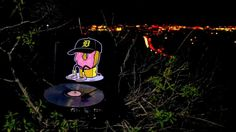 J Dilla - Last Donut of the Night (Vinyl Me, Please) http://www.turntableproject.com  This music video was created using a turntable, a vinyl record and the natural environment.