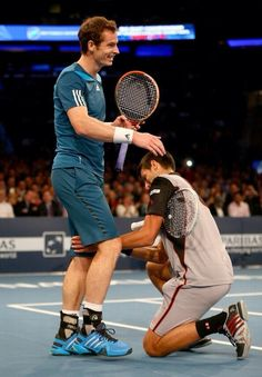A very friendly exhibition match at @thegarden even saw Novak Djokovic helping Andy Murray with his cramps #WorldTennisday