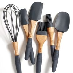 A Kitchen Utensil Sets is a handy investment that will help you prepare your best recipe and blend your kitchen décor. However, these kitchen utensil sets Silicone Kitchen Utensils, Baking Utensils, Cooking Utensils Set, Kitchen Utensil Set, Silicone Bakeware, Kitchen Gifts, Kitchen Items, Kitchen Tools, Kitchen Dining