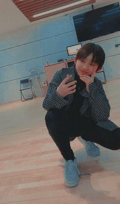Chinese Babies, Chinese Boy, Actor Photo, Kpop, Cute Cartoon Wallpapers, Cute Gay, Boss Wallpaper, Boyfriend Material, K Idols