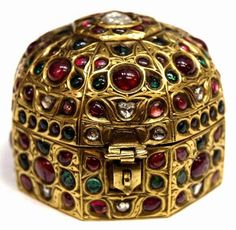 Penny Stock Journal: Treasures of the British Museum Ancient Jewelry, Antique Jewelry, Gold Jewelry, Viking Jewelry, Antic Jewellery, Green Knight, Wars Of The Roses, Gold Locket, Historical Artifacts