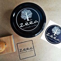 dziś jakby drugi poniedziałek w tygodniu... stemplujemy i pakujemy nasze pachnące świece :) już zaraz za chwilę będą w drodze...