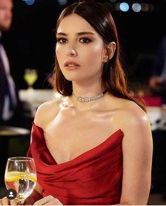 Turkish Women Beautiful, Turkish Beauty, Stylish Girls Photos, Girl Photos, Most Handsome Actors, Ulzzang Korean Girl, Cute Girl Face, Turkish Actors, Girl Photography
