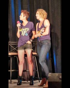 Kim Rhodes (aka Sheriff Miles) and Sam Smith (aka Mary Winchester), Phoenix Supernatural Convention