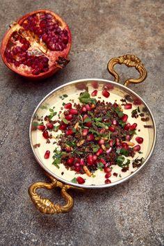 Krydret lam med hummus og granateple | Oppskrift | Et kjøkken i Istanbul