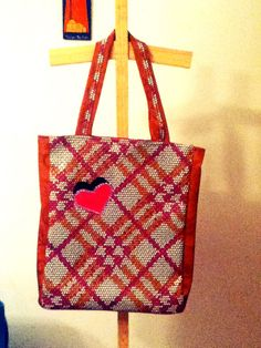 Bolso de cuerina en Relieve