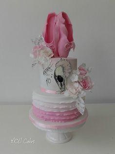 Pink cake for a little balerina Dance Cakes, Ballet Cakes, Ballerina Cakes, Ballerina Party, Luau Cakes, Party Cakes, Cake Icing, Cupcake Cakes, Little Girl Cakes