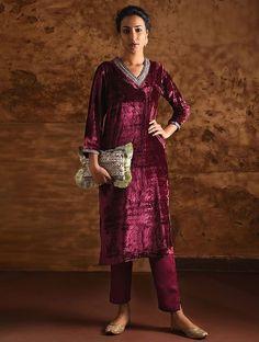 👞🕶😰🧦👑🤯👔👑😲🥴👗🥽 Velvet Dress Designs, Blouse Designs Silk, Punjabi Dress, Pakistani Dresses, Kimono Fashion, Fashion Outfits, Women's Fashion, Suits For Women, Clothes For Women