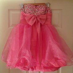 Dresses & Skirts - Short party/clubbing/prom dress.