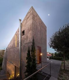Tense Architecture Network, Filippo Poli · Residence in Kallitechnoupolis Concrete Architecture, Architecture Photo, Contemporary Architecture, House Architecture, Concrete Finishes, Greek, Construction, Building, Architects