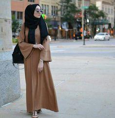 Hijab Fashion 2016/2017: Sélection de looks tendances spécial voilées Look Descreption Let's Connect: Website: www.hijabchicblog... Facebook: www.facebook.