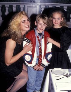 Brooke Shields, Macaulay Culkin and Laura Bundy 1991 Awkward/Amazing