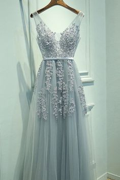 V-Neck A-Line Tulle Sleeveless Prom Dresses,Gray Prom Dresses with Lace,M28
