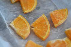 Když mám chuť......: ... ochlazuji nápoje mraženými citrusy