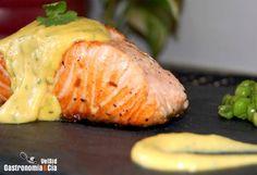 Salmón con crema de naranja y cilantro