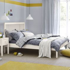 clearance bed from feather and black
