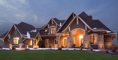 Craftsman House Plan with 5077 Square Feet and 5 Bedrooms from Dream Home Source | House Plan Code DHSW076729