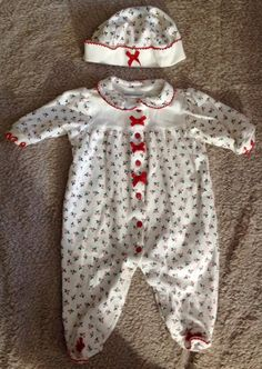 Infant Girls White Holly Berry Feeties and by NanasClosetofThings Infant Girls, Holly Berries, Consignment Shops, Hat Sizes, Little Red, My Outfit, Thrifting, Berry, Vintage Items