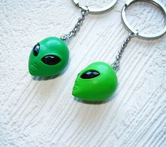 best friend gift keychain, BFF key chain set of polymer clay alien key ring, . - - best friend gift keychain, BFF key chain set of polymer clay alien key ring, . Best Friend Gifts, Gifts For Friends, Distance Gifts, Long Distance, Clay Keychain, Alien Aesthetic, Dou Dou, Accesorios Casual, Diy Gifts For Boyfriend